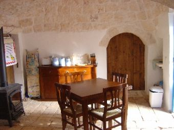 trulli-dining-kitchen.jpg